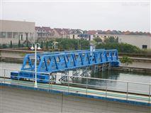 桁车式刮吸泥机的结构原理