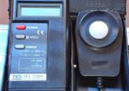 TES-1332數字式照度計