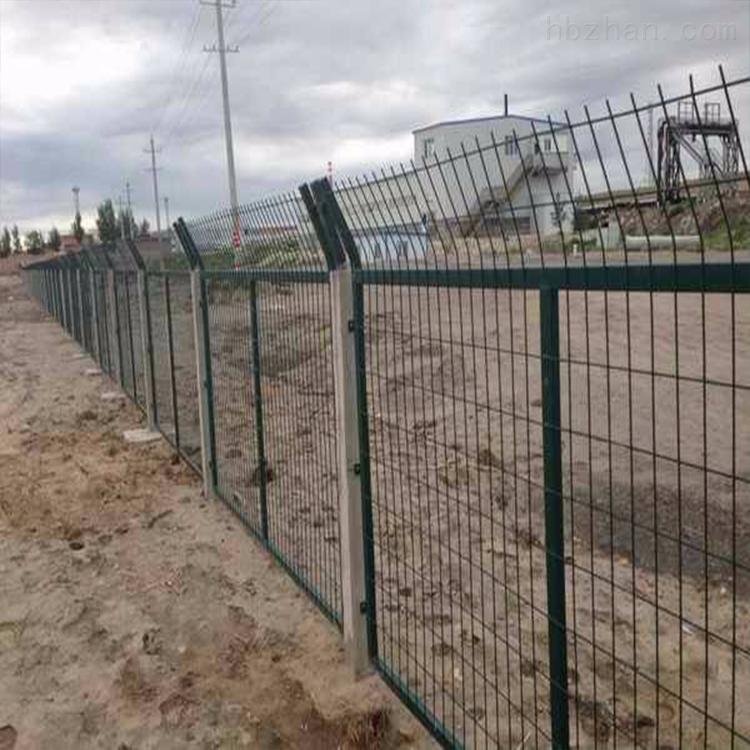 防护栅栏生产厂家/金属网片用途