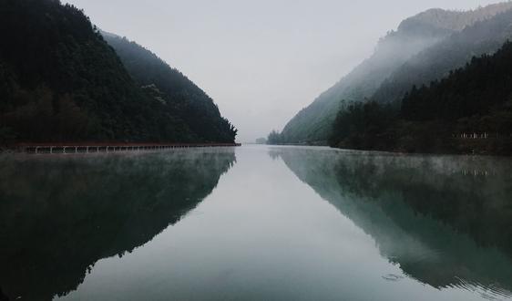 近18年长江干流水质和污染物通量变化趋势分析